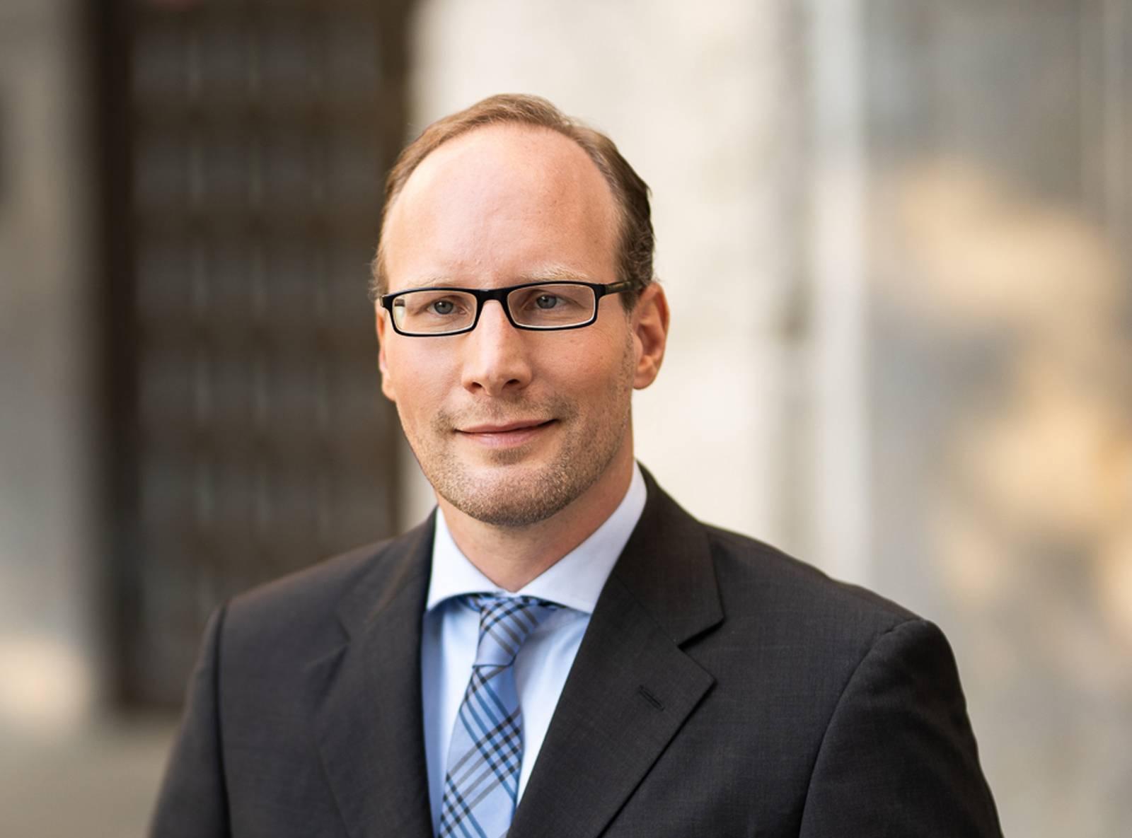 Marc Klöpfer, LL.M. OEC.